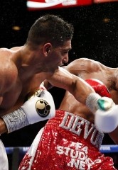 Amir Khan Dominates Devon Alexander in Welterweight Showdown