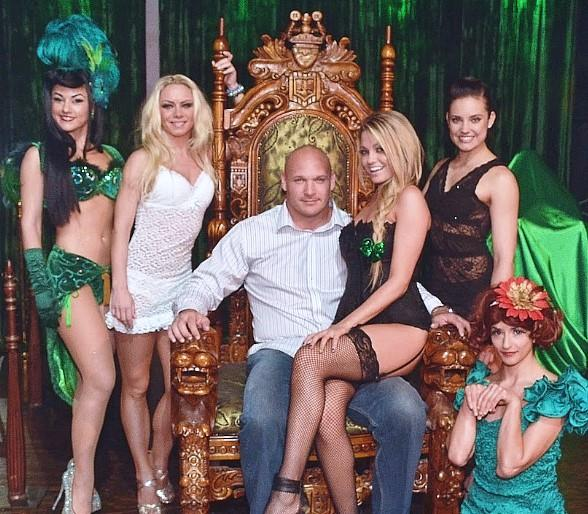 ABSINTHE Welcomes Chicago Bears' Brian Urlacher and Ladies of
