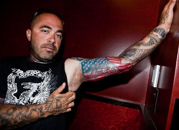 Aaron Lewis of Staind Gets Tattooed at Hart &amp; Huntington Tattoo Co.