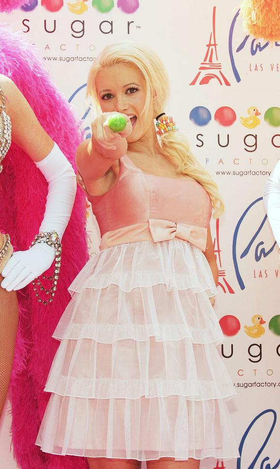 "Holly Madison on the pink carpet with Sugar Factory's ""Vegas"" Couture Pop"