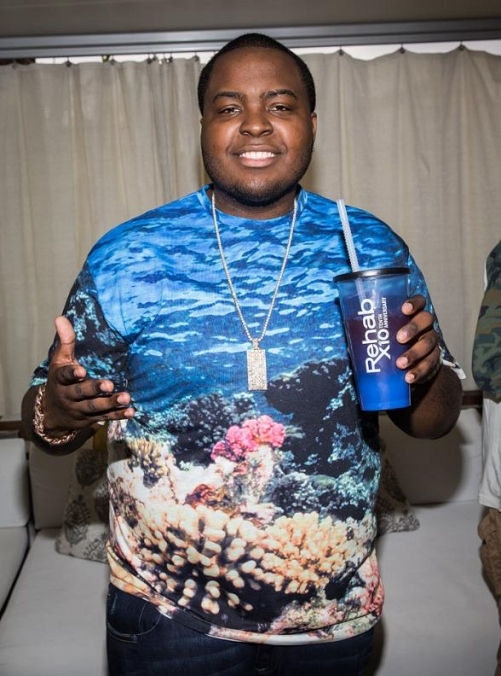 Sean Kingston Performs for End-of-the-Summer Bash at REHAB Pool Party