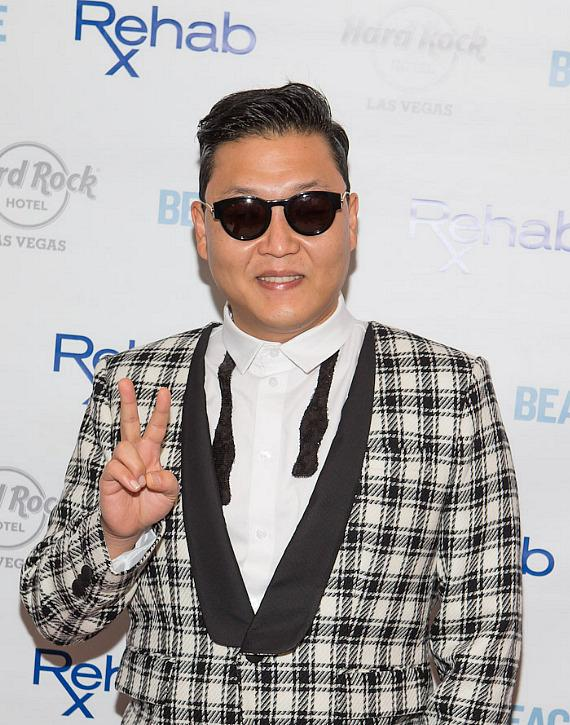 PSY on red carpet at REHAB at Hard Rock Hotel & Casino