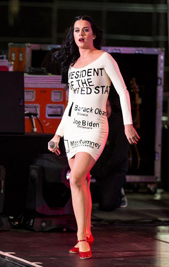 Katy Perry performs at President Obama rally at Doolittle Park in Las Vegas
