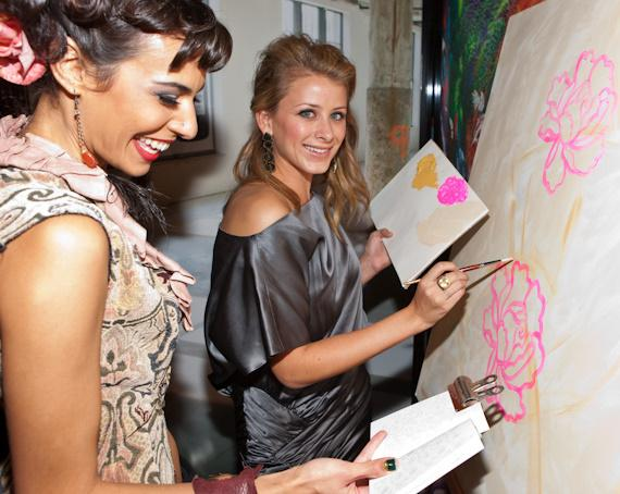 Lo Bosworth doing freestyle art
