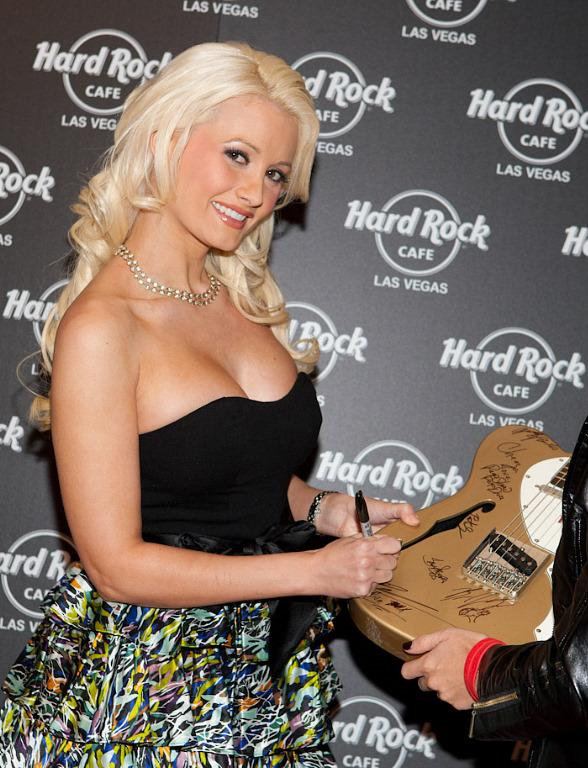 Star of Holly's World and PEEPSHOW, Holly Madison