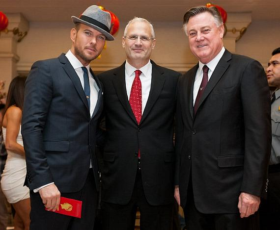 Matt Goss with Gary Selesner, Caesars Palace President and Jon Jaggers, Senior VP International Marketing
