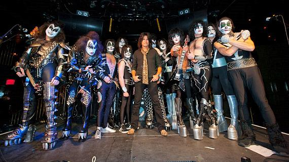 KISS OFF bands with Tommy Thayer of KISS