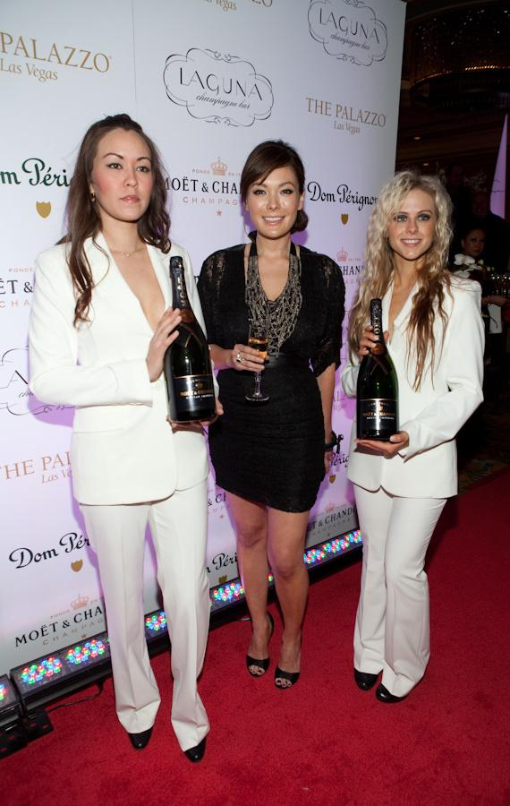 Lindsay Price with Dom Perignon models