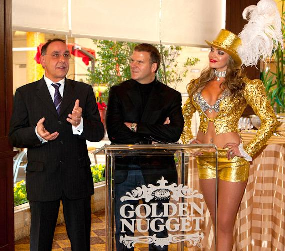 Thomas Geissler, Tilman Fertitta and Gold Showgirl