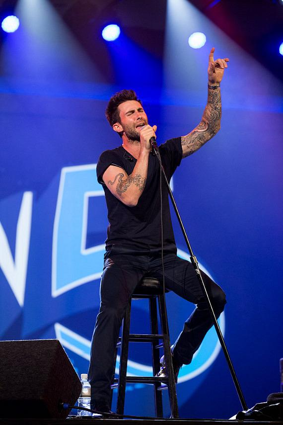 Maroon 5 performs at CES