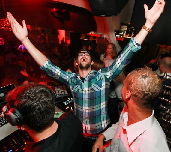 Michael Phelps parties at Hyde Bellagio, Las Vegas