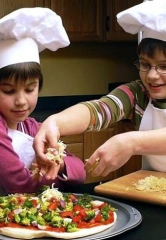 Grimaldi's Pizzeria Partners with Nevada Blind Children's Foundation for a Pizza Making Class to Benefit Visually Impaired Students