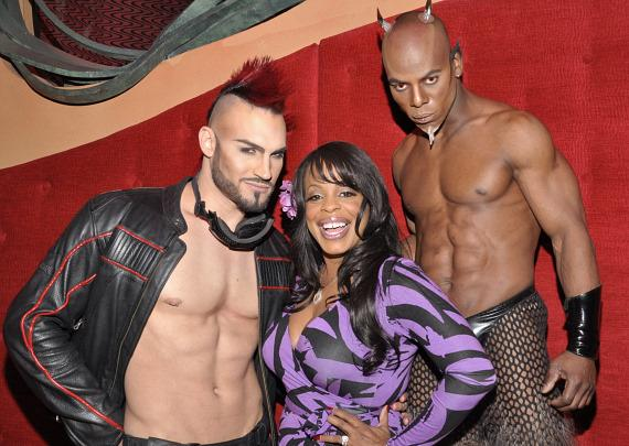 Niecy Nash with the cast of Zumanity - The Sensual Side of Cirque du Soleil at New York-New York Hotel &amp; Casino