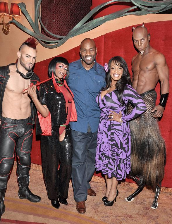 Niecy Nash and Jay Tucker with the cast of Zumanity - The Sensual Side of Cirque du Soleil at New York-New York Hotel &amp; Casino