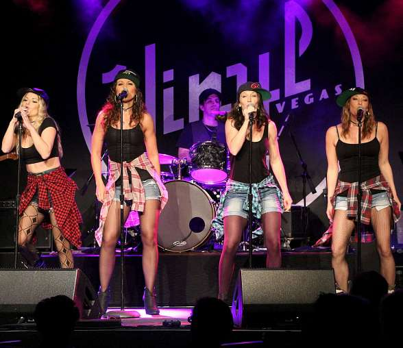"Jersey Girls perform at Mark Shunock's ""Mondays Dark"""