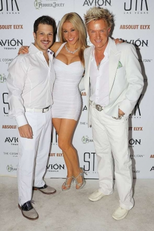 STK Las Vegas Throws 2nd Annual End-Of-Summer White Attire Affair