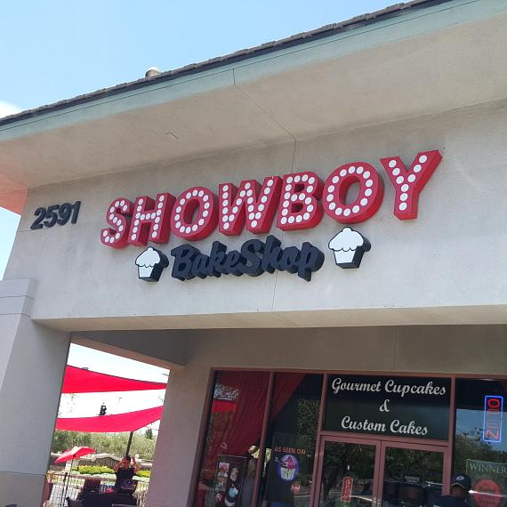 Showboy Bakeshop hosted a full day of fundraising at their Henderson-based store to raise money for the victims, their families and those injured or dealing with the aftermath of Sunday's senseless tragedy at Pulse Nightclub in Orlando