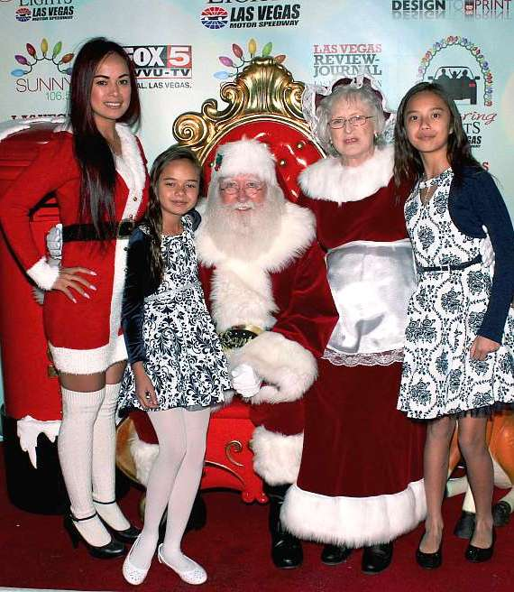 Model/Dancer Dixie Miranda with daughters Keena and Kayla and Santa & Mrs. Claus