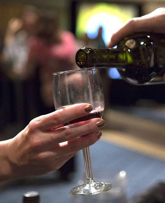 Splendor in the Glass Wine & Beer Tasting set for March 11; Event to Include Beverages, Food, Entertainment and Silent Auction