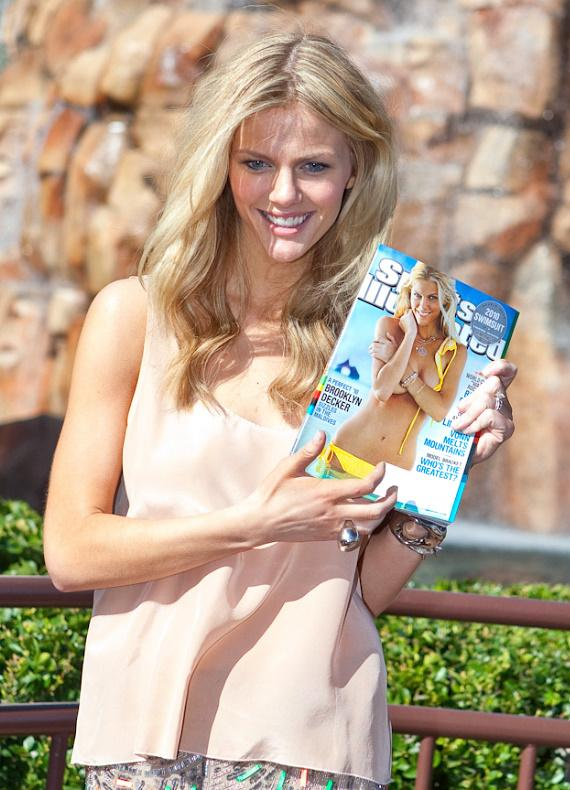2010 Sports Illustrated swimsuit edition cover model Brooklyn Decker