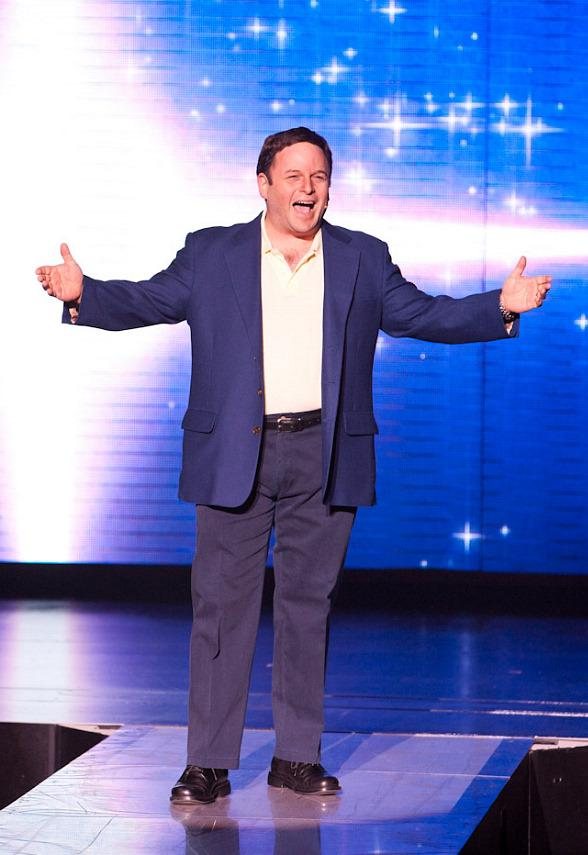 """Seinfeld's"" Jason Alexander Performs ""Donny Clay"" at Planet Hollywood"