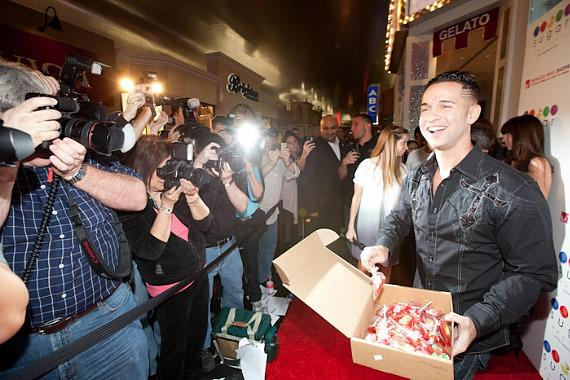 "Mike ""The Situation"" Sorrentino hands out Valentine's Day lollipops to fans at Sugar Factory"