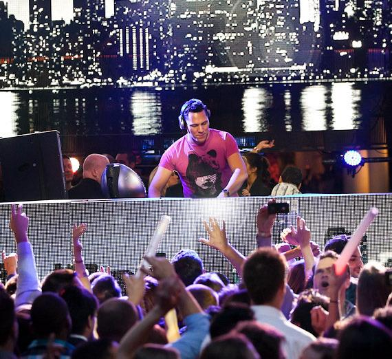 Tiesto launches 2012 residency at XS Nightclub