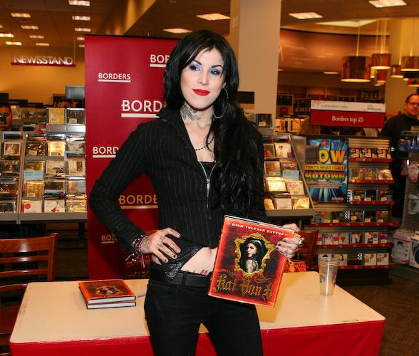 Kat Von D signs her book High Voltage Tattoo at Borders Bookstore