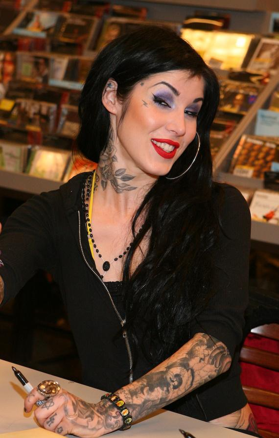 Kat Von D signs her new book, High Voltage Tattoo, at Borders Bookstore