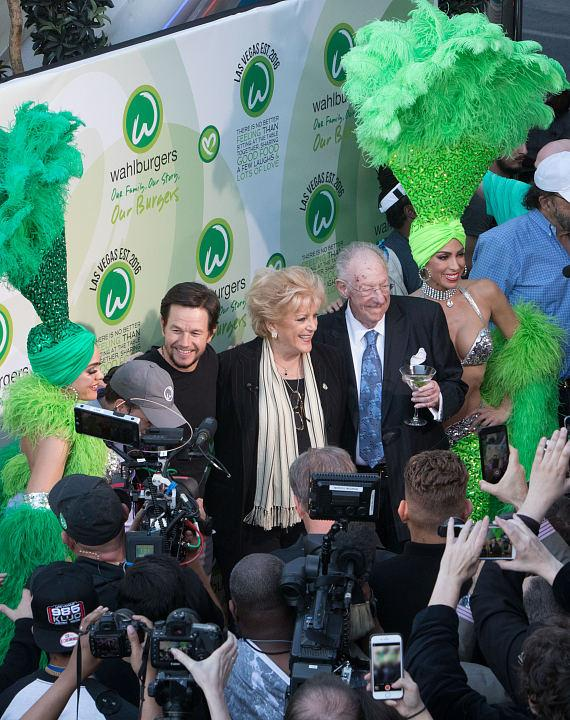 Mark Wahlberg with Mayor Carolyn Goodman and former mayor Oscar Goodman