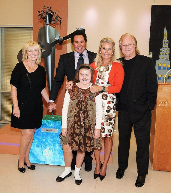 wayne newton honored at opportunity village for 30 years
