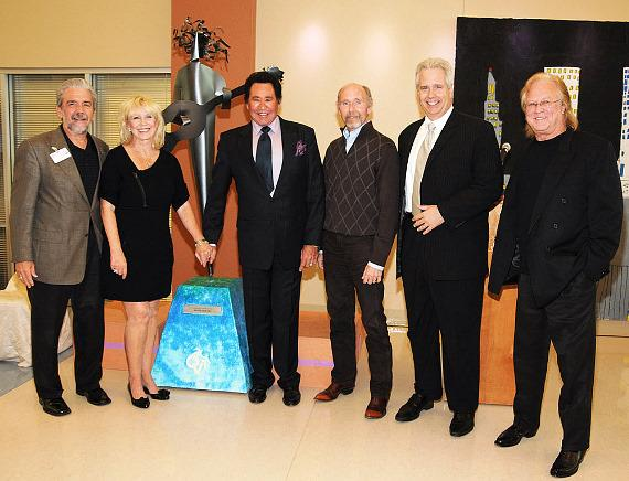 Wayne Newton with Edward R. Guthrie and other Opportunity Village executives