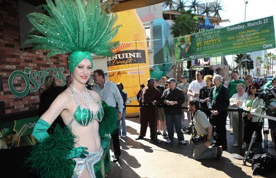 Showgirl Kelly and the crowds watching the key ceremony event