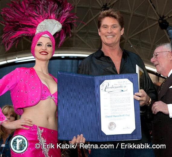 Vegas Showgirl, David Hasselhoff and Mayor Oscar Goodman