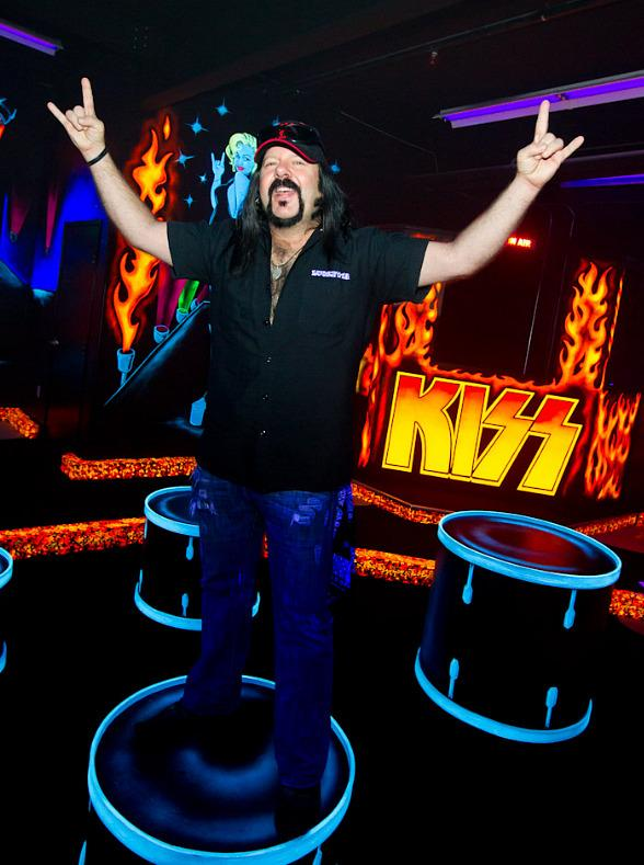 Vinnie Paul at KISS Monster Mini Golf
