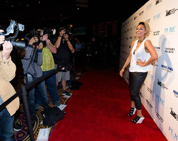 Keri Hilson with photographers at PURE Nightclub