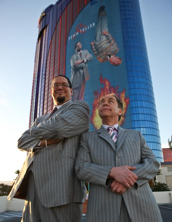 Rio headliners Penn & Teller debut new building wrap sign