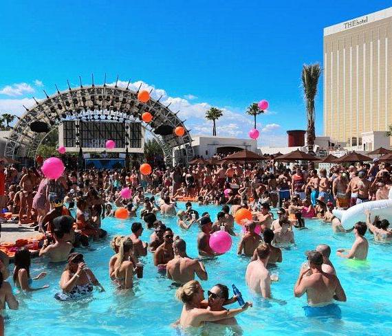 Daylight Beach Club at Mandalay Bay in Las Vegas