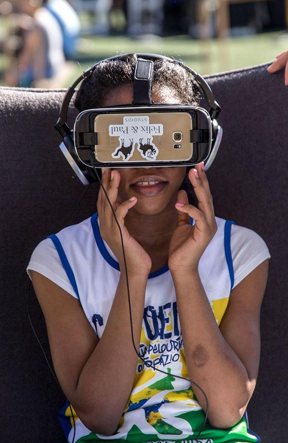 Run Away with Cirque du Soleil features exciting VR experience at 16th annual community event