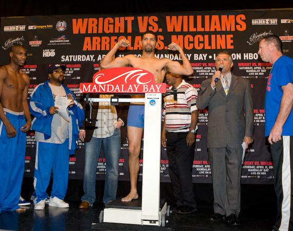 Winky Wright on the scale at Mandalay Bay weigh-in