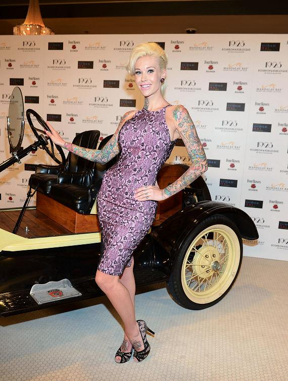 Sabina Kelley arrives at the grand opening of 1923 Bourbon & Burlesque at Mandalay Bay