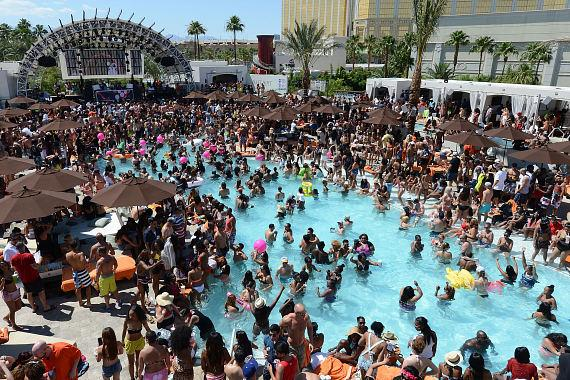 DAYLIGHT Beach Club at Mandalay Bay