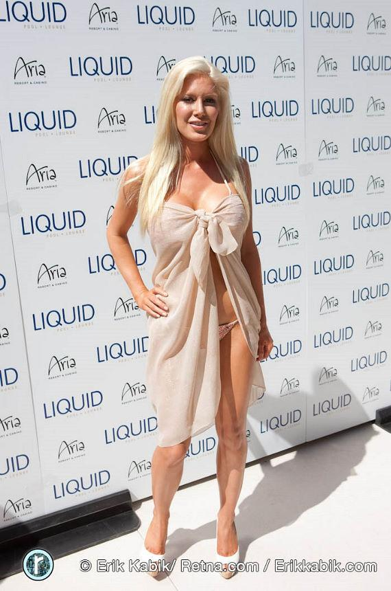 Heidi Montag Celebrates Liquid Grand Opening at Aria Resort & Casino