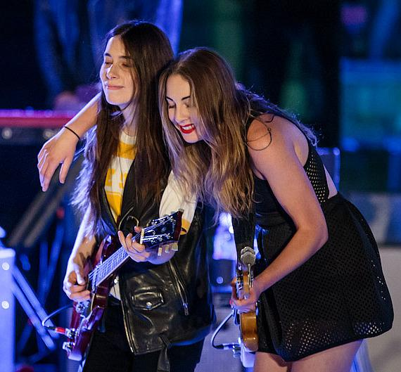 HAIM performs at Boulevard Pool at The Cosmopolitan of Las Vegas