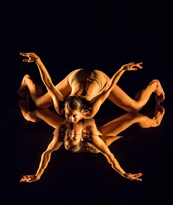 MOMIX: Botannica stuns audiences at The Smith Center