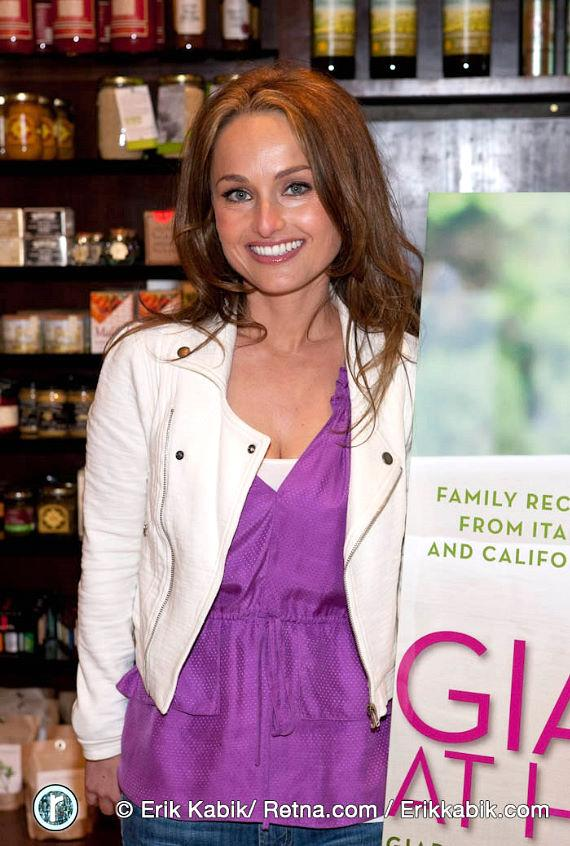 Giada De Laurentiis hosts book signing at Sur La Table