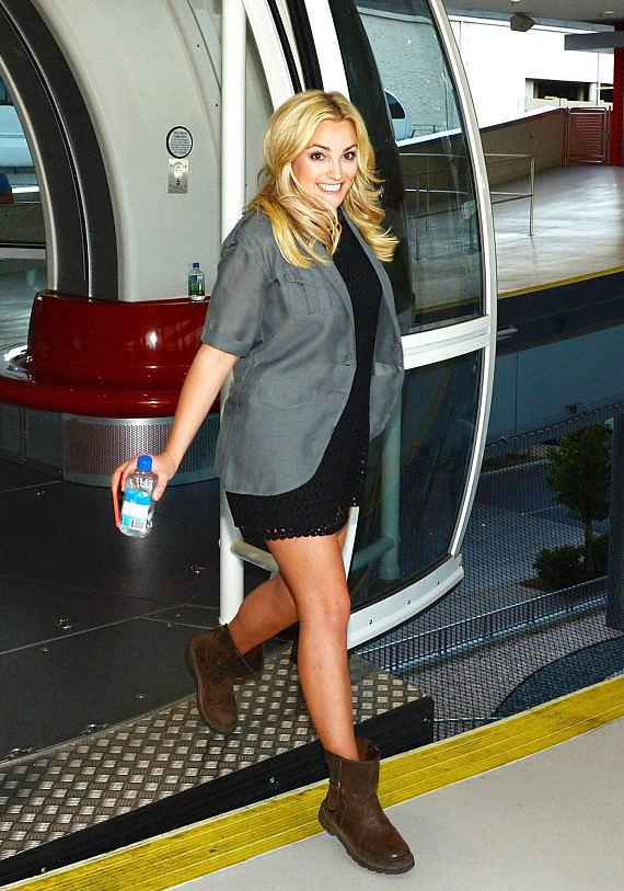 Jamie Lynn Spears exits the High Roller at The LINQ in Las Vegas