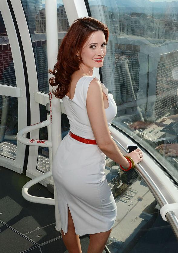 Reality TV Starlet Holly Madison Rides The High Roller at The LINQ in Las Vegas