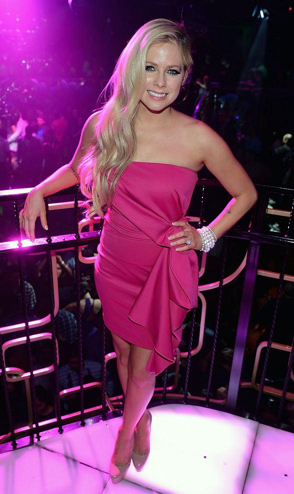 Avril Lavigne Celebrates 30th Birthday at The Bank in The Bellagio Resort & Casino