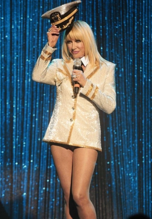 "Suzanne Somers Debuts Cabaret Show ""Suzanne Sizzles"" at Westgate Las Vegas Resort & Casino"